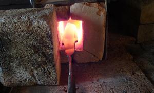 Закалять сталь можно и на костре.