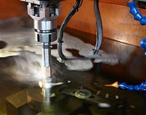 Электроэрозионная обработка деталей из металла.