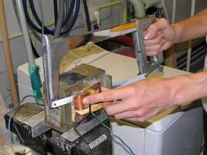 Можно взять трансформатор от микроволновки, только выбирайте мощные модели.