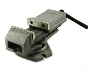 Тиски станочные поворотные стальные 200 HOR