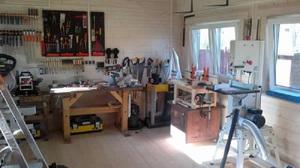 Эффективное и удобное оборудование домашней мастерской своими руками