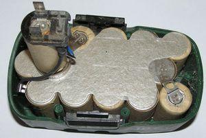 Конструкция аккумуляторной батареи: фото разобранного элемента.