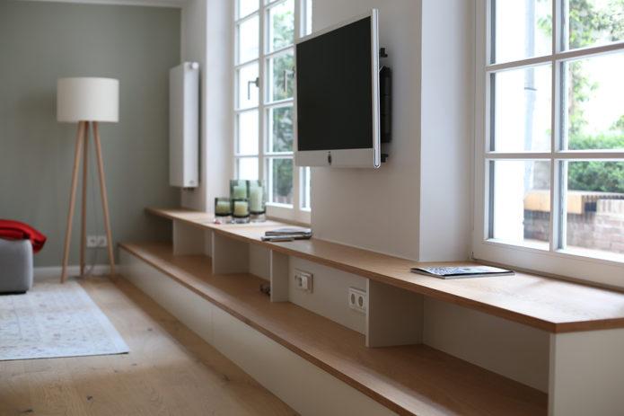 использование подоконного пространства в гостиной