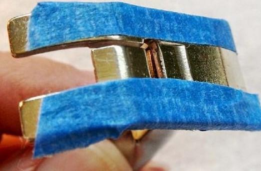 Лапка швейной машинки с малярным скотчем
