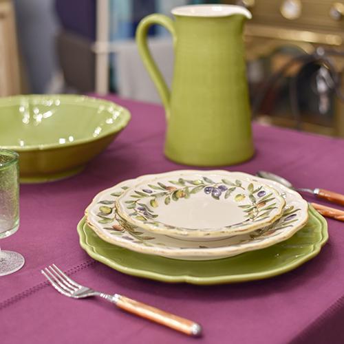 посуда оливкового цвета