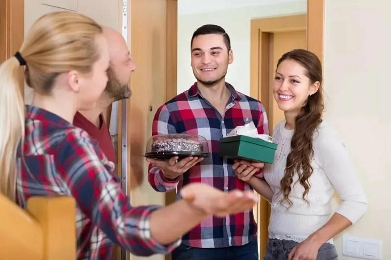 Гости на пороге: 5 шагов, которые можно успеть сделать, чтобы убрать беспорядок