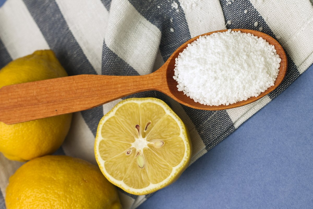Отбеливаем плиточные швы в ванной: 3 средства, которые есть в каждом доме
