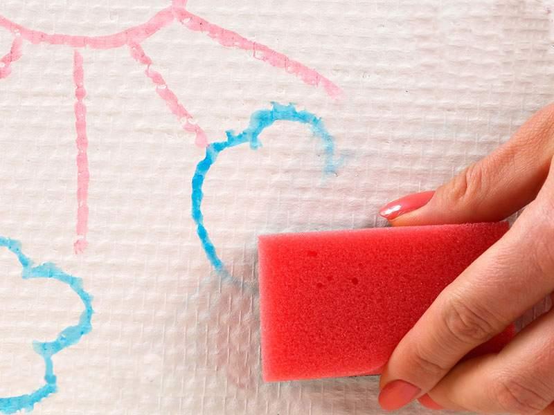 Не печальтесь, если испачкались бумажные обои: 5 эффективных способов удалить загрязнения