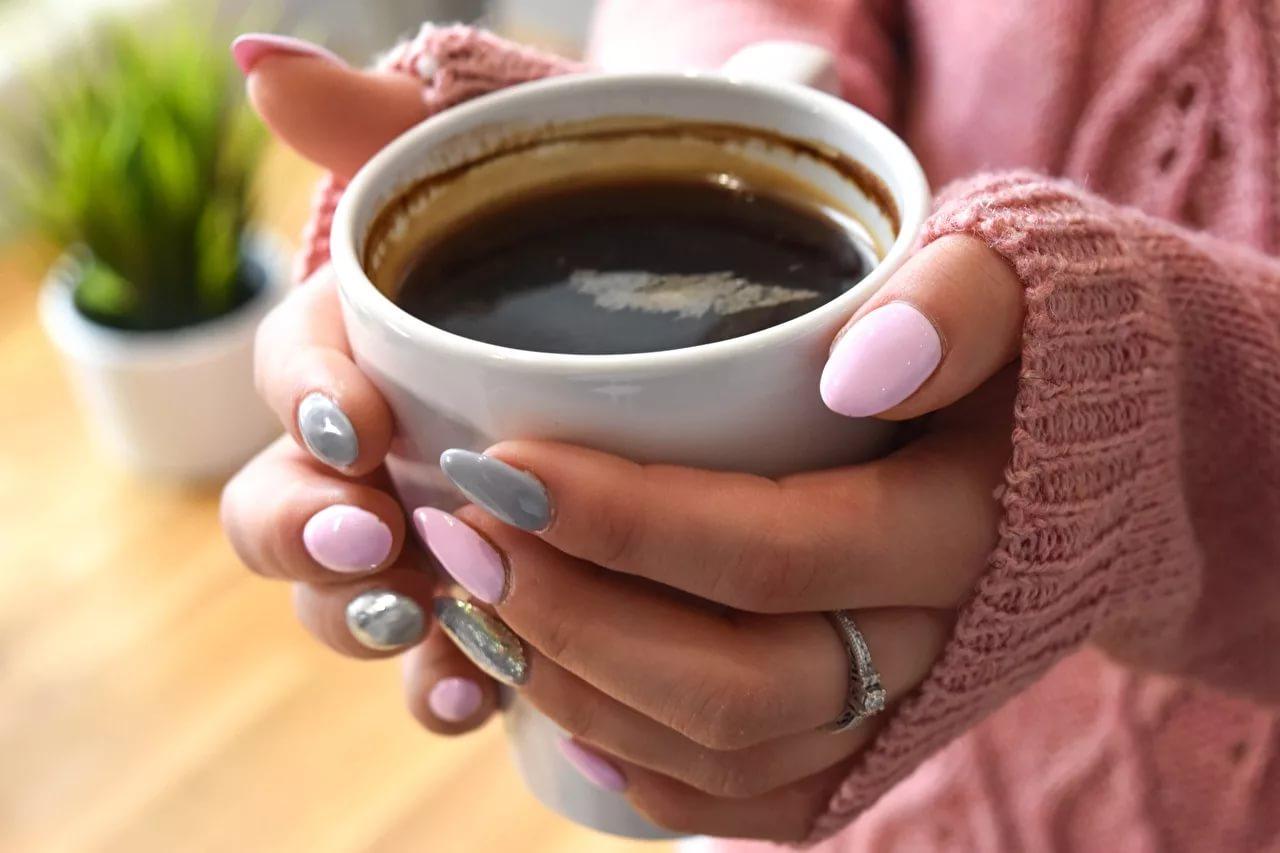 Будут блестеть, как новые: 6 проверенных средств, чтобы убрать чайный налет со стаканов