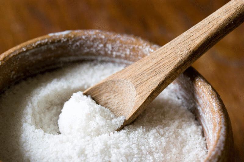 8 бытовых лайфхаков с солью, которые помогут облегчить жизнь хозяйке