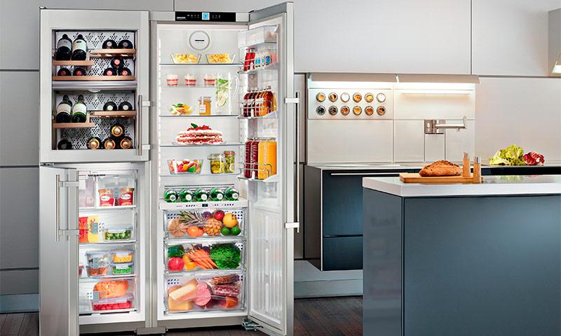 Гениальный лайфхак: убираем наледь из холодильника без разморозки