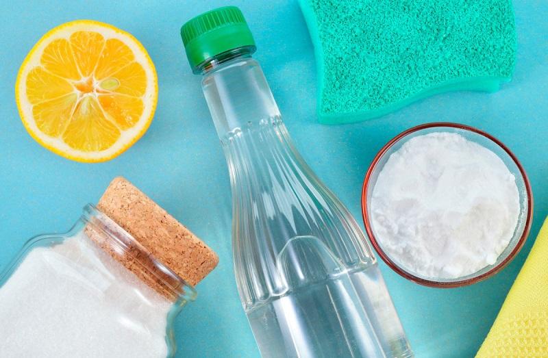 Самые быстрые способы очистить стеклянную бутылку изнутри