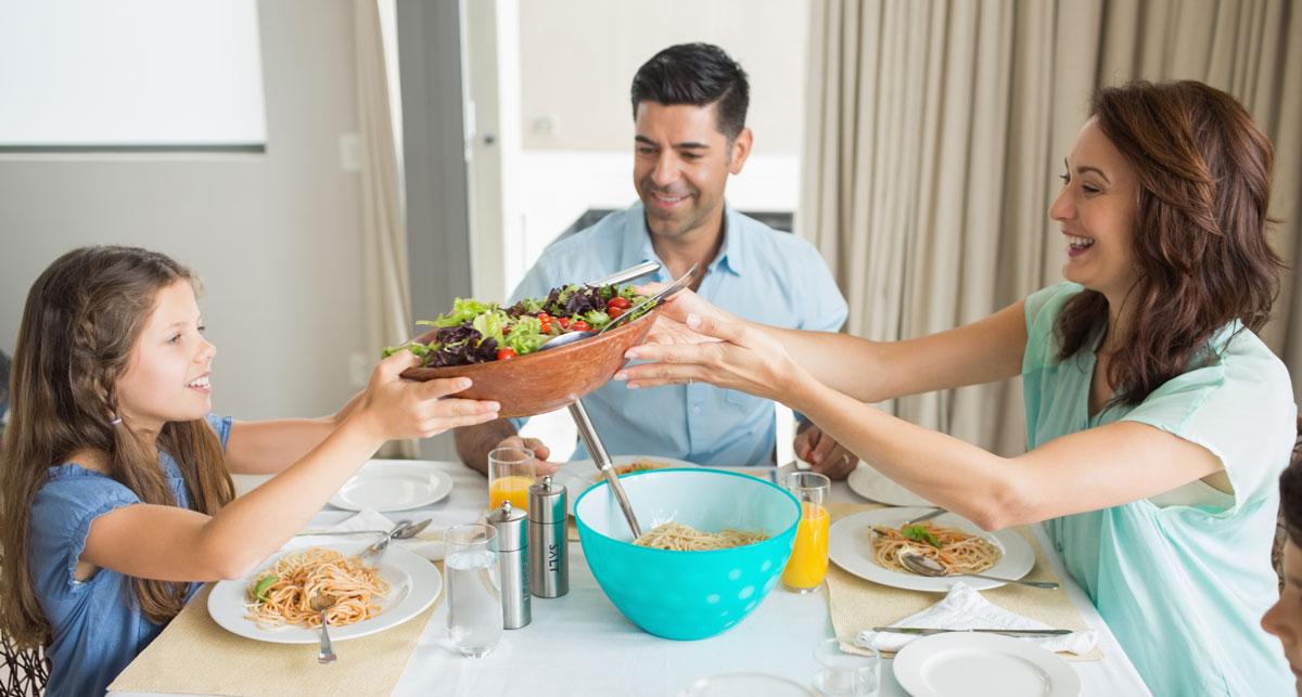 Как за обеденным столом привлечь в дом удачу: 7 важных примет