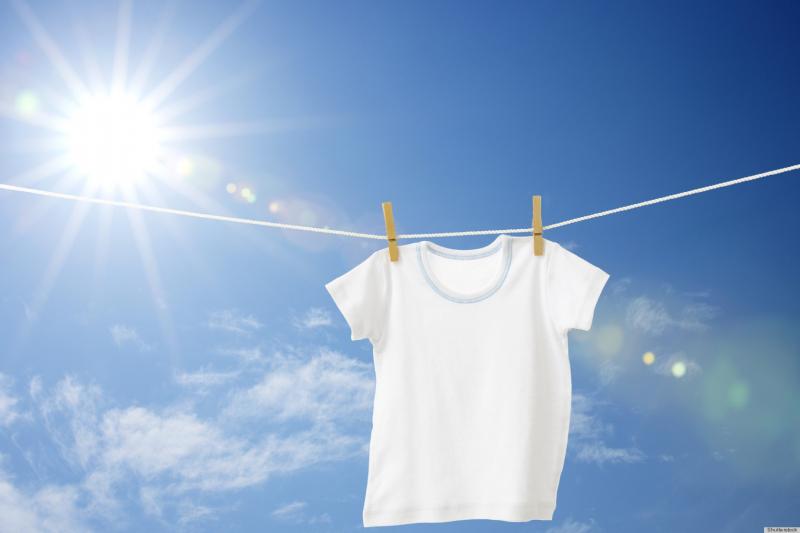 3 проверенных средства борьбы с желтыми пятнами на ткани в зоне подмышек