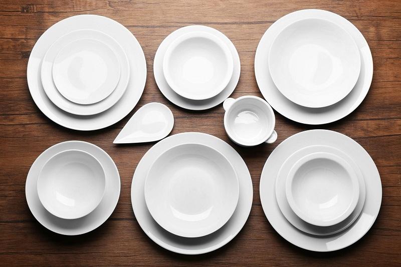 Тарелки по фэн-шуй: как цвет посуды влияет на человека