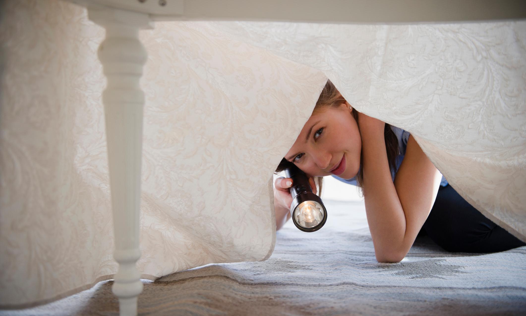 5 вещей, которым не место под кроватью