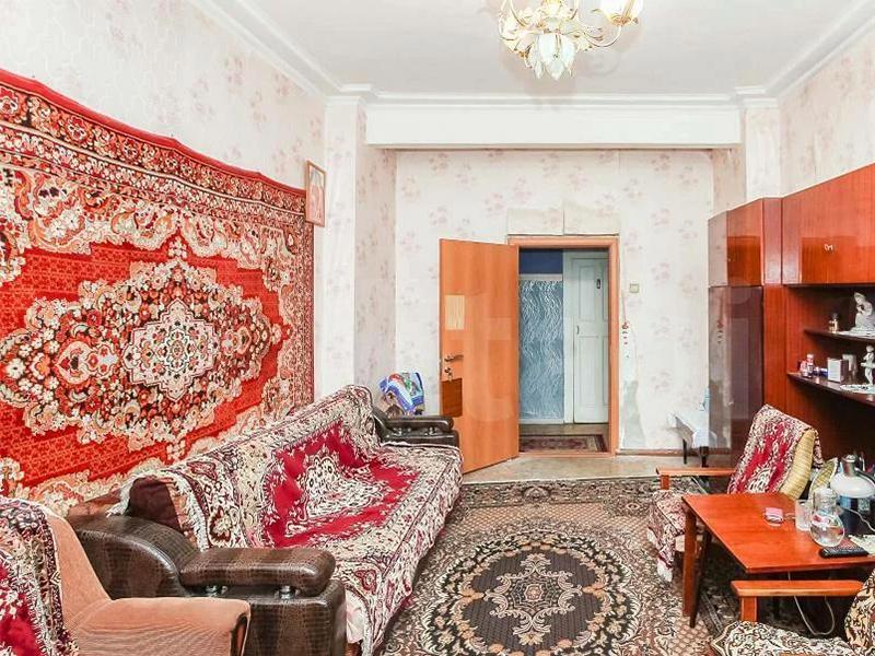 Зачем в СССР вешали ковры на стену и почему сегодня этого делать не нужно