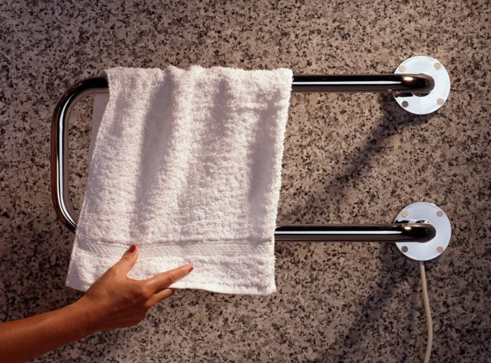 полотенца на полотенцесушителе
