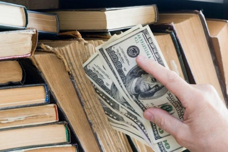 11 надежных мест для хранения денег и ценностей, о которых не догадается вор
