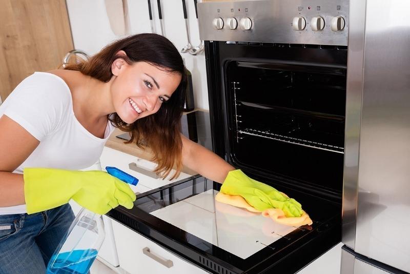 5 советов по уходу за духовкой, которые помогут содержать ее в чистоте