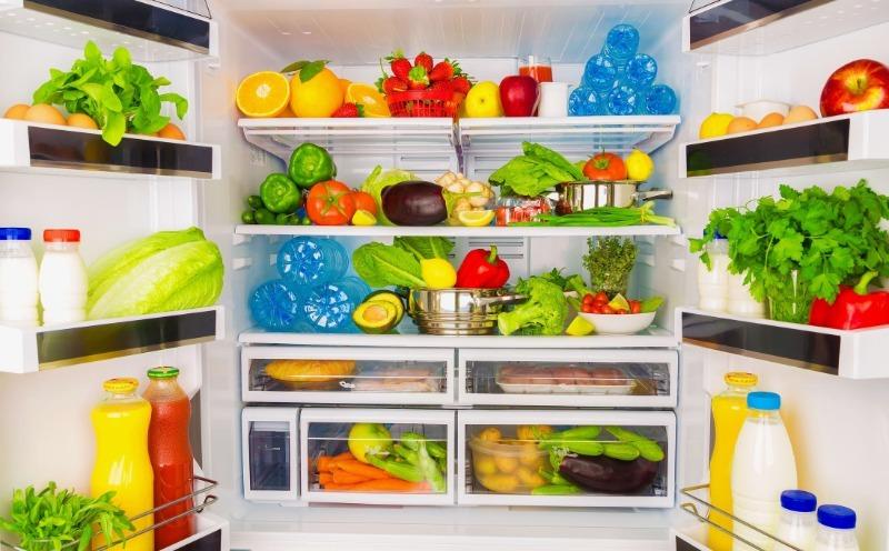 7 хитростей хранения продуктов в холодильнике, которые помогут им дольше не портиться