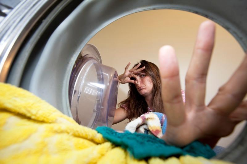 8 простых способов убрать неприятные запахи из стиральной машины