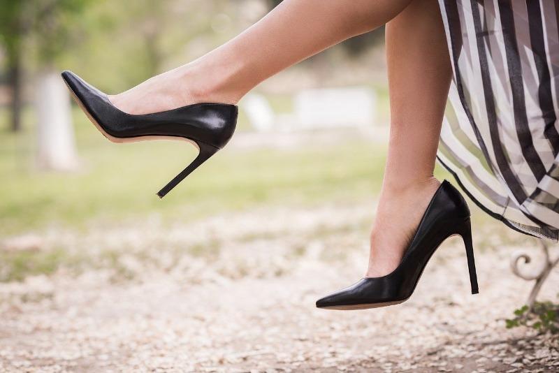 11 подручных средств, с помощью которых можно разносить тесную обувь
