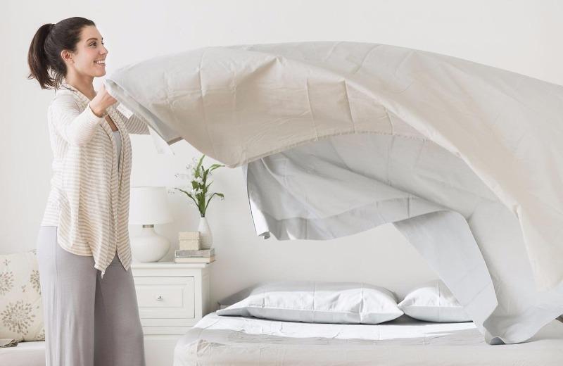 Как часто нужно менять постельное белье, чтобы не подвергать опасности себя и семью