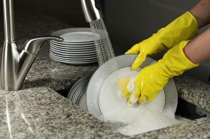 7 народных средств для мытья посуды, которые легко отмоют жир и грязь