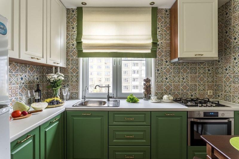 7 типов штор, которые удачно впишутся в интерьер маленькой кухни