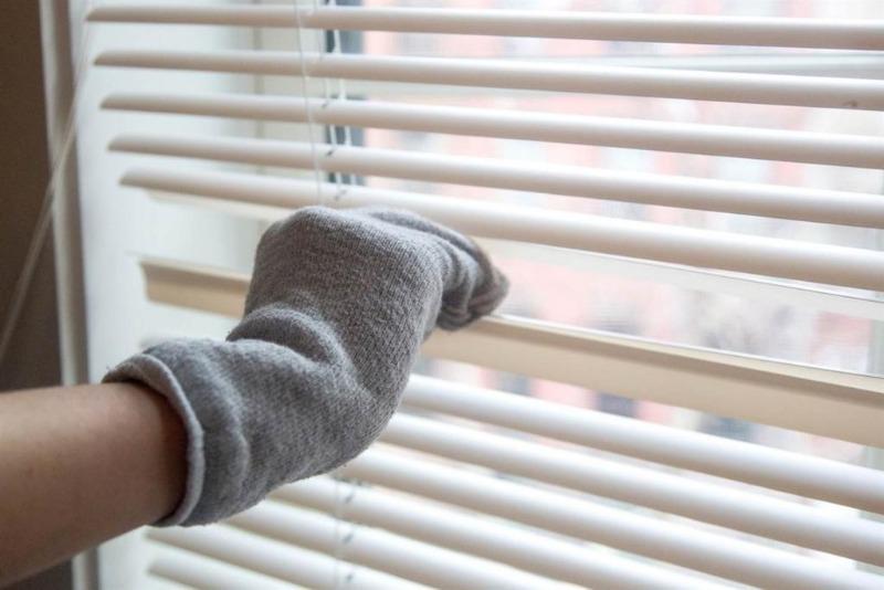 10 приспособлений для уборки, о которых многие не помнят и пользуются исключительно пылесосом, а зря