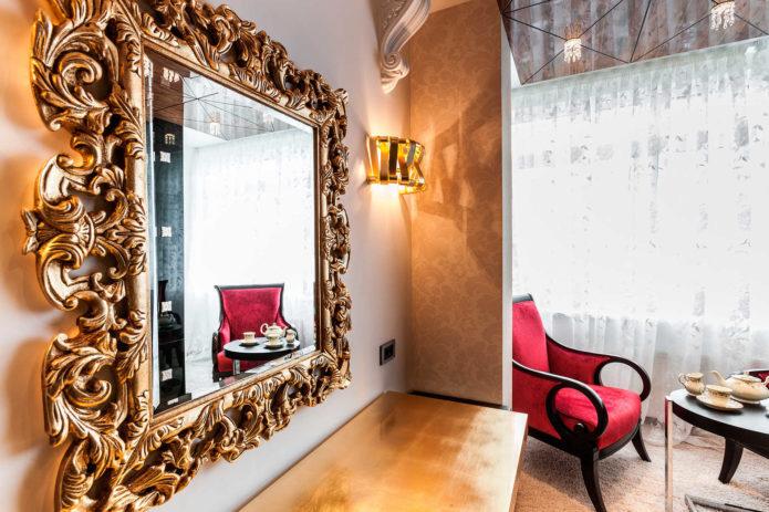 роскошное зеркало в интерьере