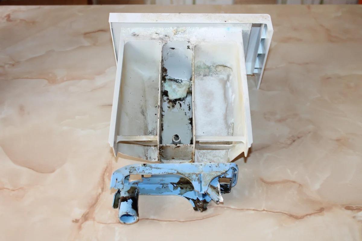 Чисто снаружи и внутри: как очистить лоток стиральной машины быстро и легко