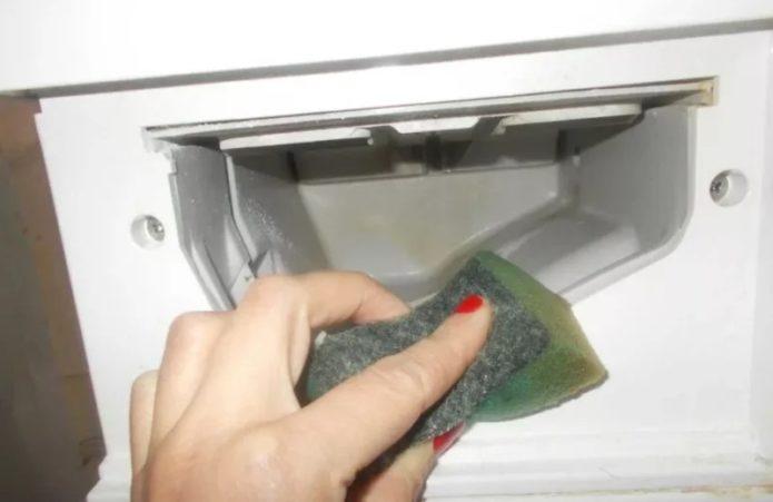 Мойка лотка стиральной машины